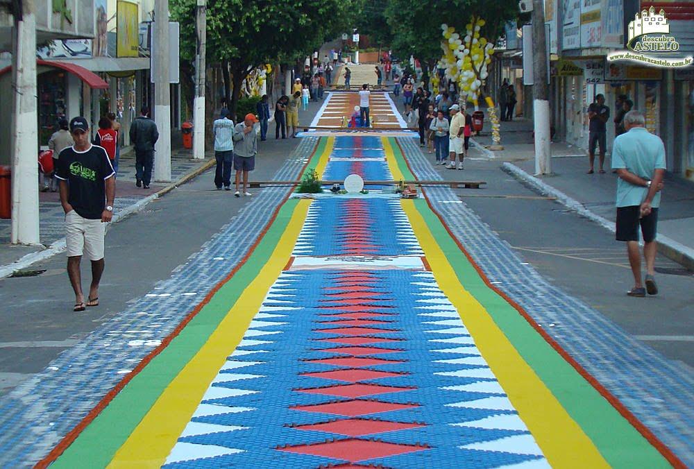 Tapete-de-Corpus-Christi-enfeitam-as-ruas-de-Cacapava